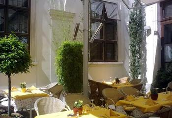 Terrassenstrahler und Heizelemente